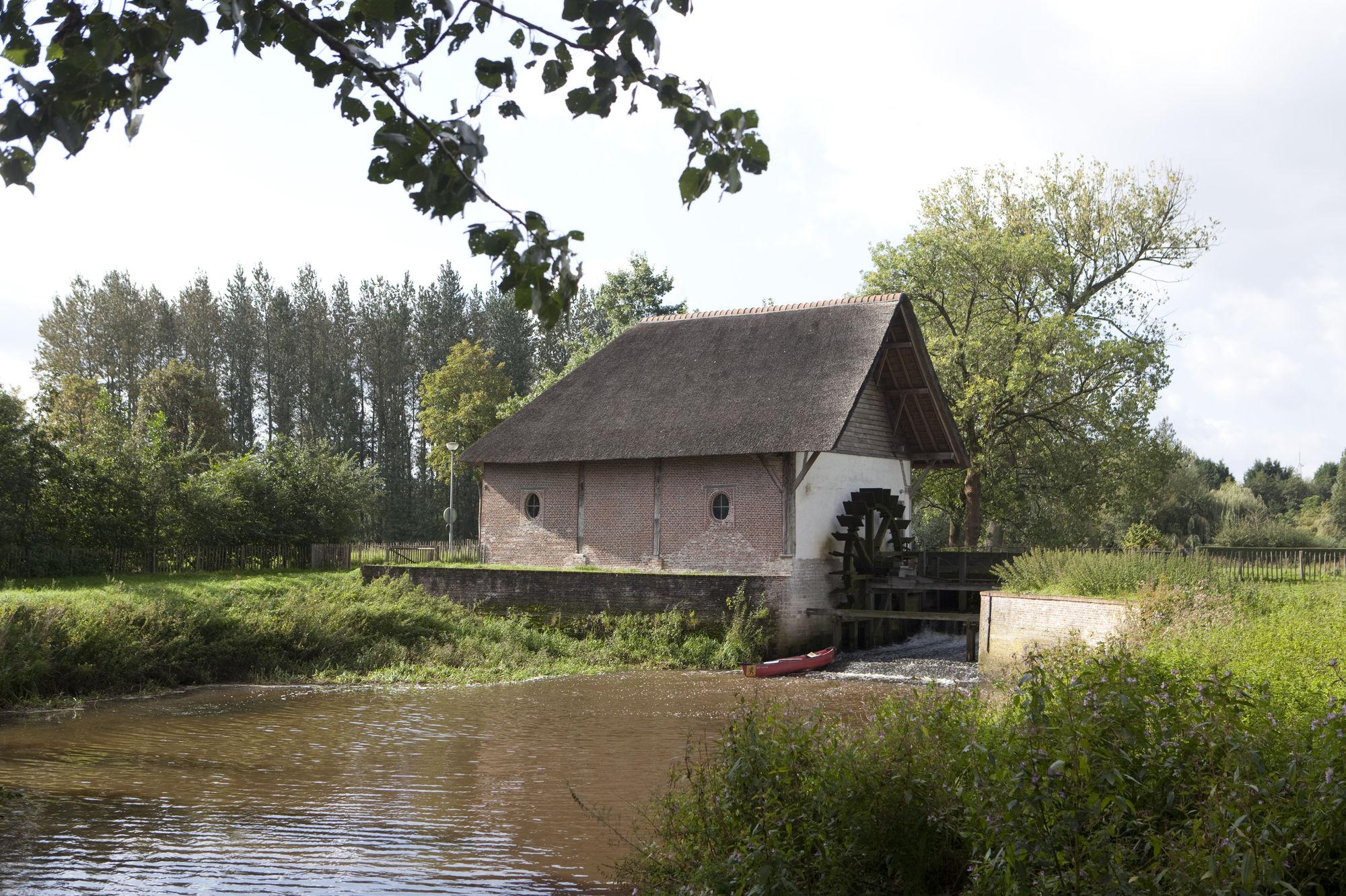 Rondtoeren in het grensgebied tussen de Antwerpse kempen en buur Nederland.