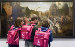 Kinderen in het Stadsmus in Hasselt.