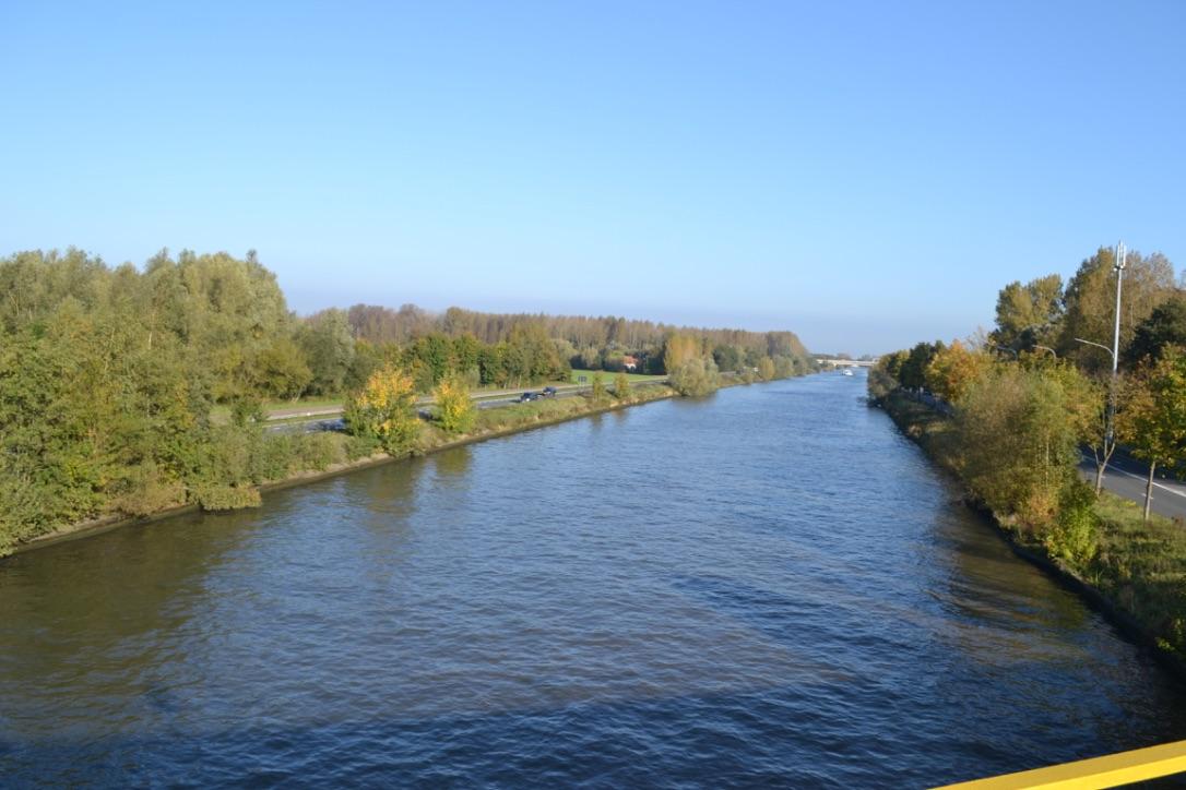 Fietsen langs rivieren en kanalen.