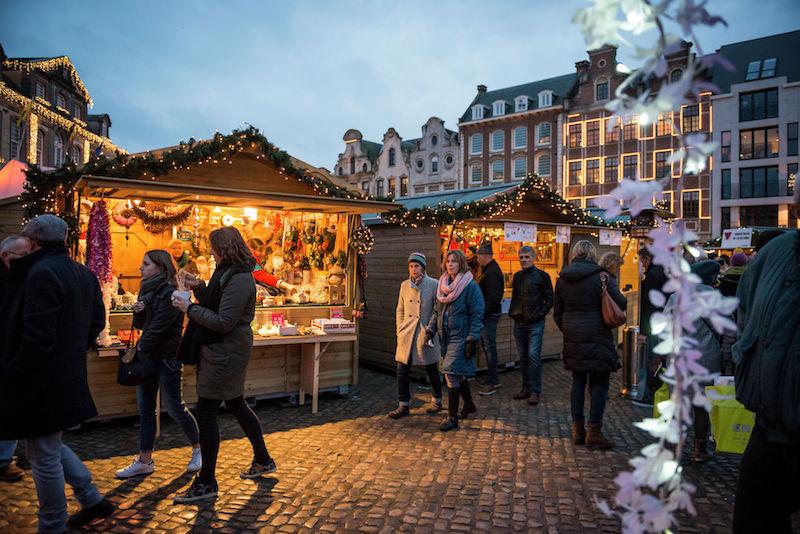 Feeërieke winterwandeling in Antwerpen.