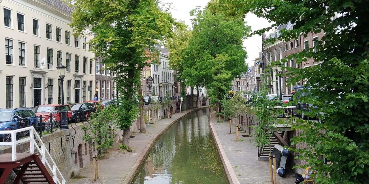 Stadswandeling in de straten van Utrecht.
