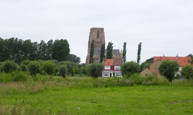Knooppunterfietsen langs Lissewege, één van de mooiste dorpen van Vlaanderen.