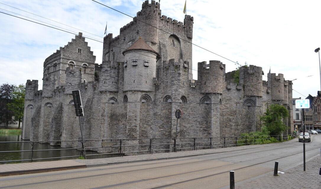 Langs torens en paleizen: een leuk tijdverdrijf voor kinderen.